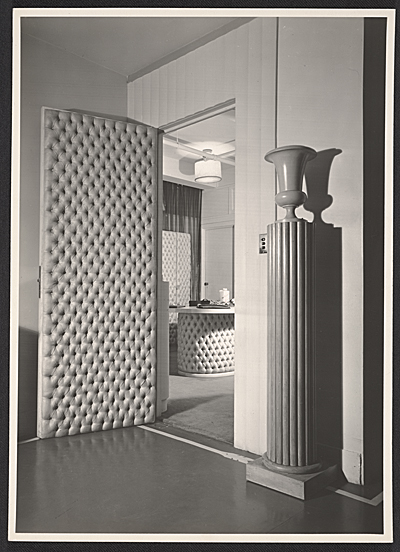 [John-Frederics wholesale salon designed by T.H. Robsjohn-Gibbings]