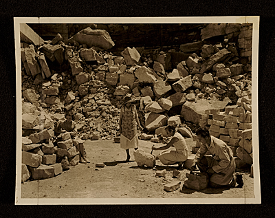 Florence Sprague with her students at a deserted quarry of Stone City