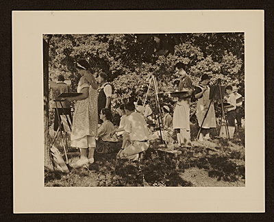 Grant Wood teaching class outdoors