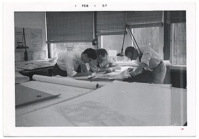 [Eero Saarinen and assistants working on drawings]