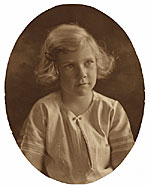 Portrait of Aline Saarinen as child