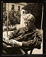 Hassel Smith reading outside