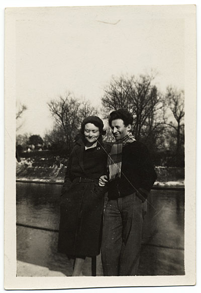 Alexander Stavenitz and Barbara Burrage standing by the Seine river