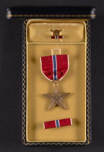 George Leslie Stout's Bronze Star medal and case