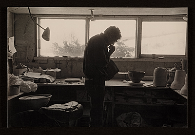 Robert Turner in his Alfred studio