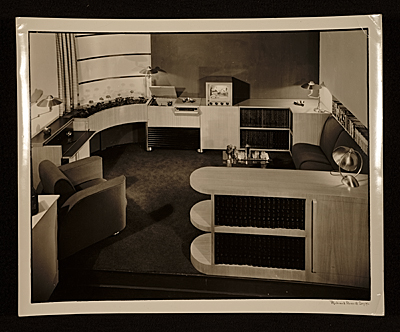 [America at home: Room display at the New York World's Fair designed by John Vassos]