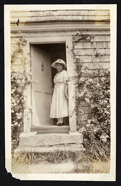 Bessie Potter Vonnoh standing in doorway