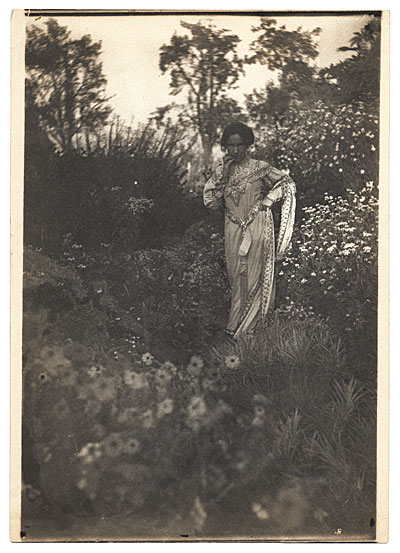 Bessie Potter Vonnoh in a field of flowers