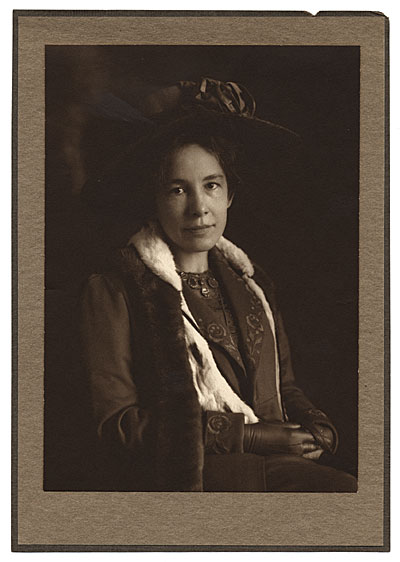 [Formal Portrait of Bessie Potter Vonnoh]