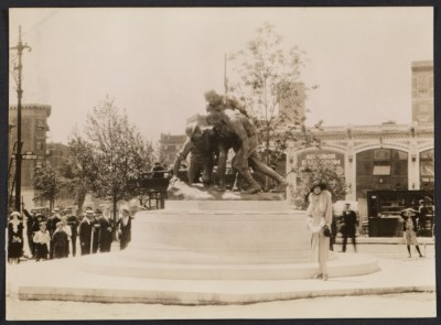 Gertrude Vanderbilt Whitney at the dedication of the Washington Heights memorial