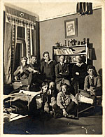 Frans Wildenhain and other Bauhaus students