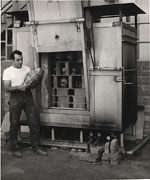 Peter Voulkos at a kiln