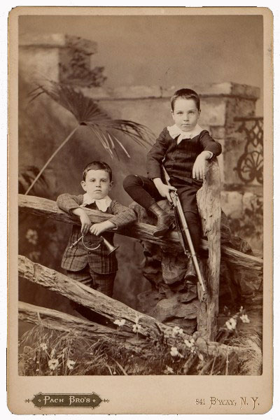 Photograph of Alfred and Walter Pach as boys